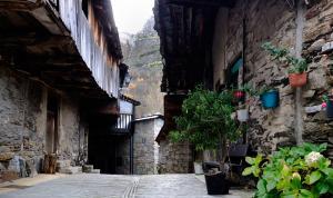 Pueblo de Peñalba de Santiago